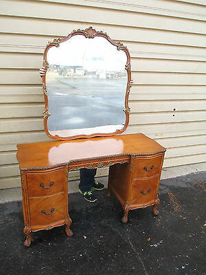 52909 Maple Vanity w/ Mirror