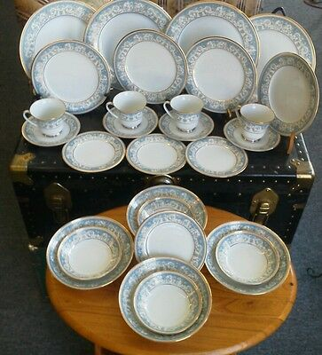 24 Pieces of Vintage NORITAKE POLONAISE Dinner Set for 4, with gold trim.