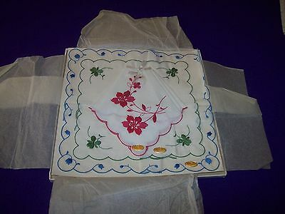 VINTAGE 3 1950's LOT LADY BOX EMBROIDERED FLOWER FLORAL HANKIE HANDKERCHIEF