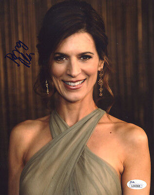 """(SSG) PERREY REEVES Signed 8X10 """"Entourage"""" Photo with a JSA (James Spence) COA"""