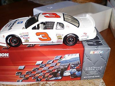 DALE EARNHARDT JR 1997 #3 GM GOODWRENCH 1:24 Adult Collector