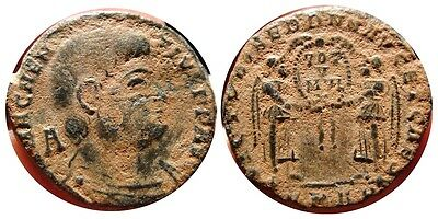 *Lucernae* Magnentius AE21. Arles FPAR. Victories. VOT M VLT X. Uncleaned. Nice!