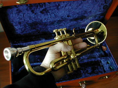 THANKSGIVING $ALE! ORIG VINTAGE NEW CONDITION MARTIN COMMITTEE TRUMPET &CASE  MP