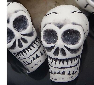 30mm Skull Antique style Resin Bone Pendant Beads (4)