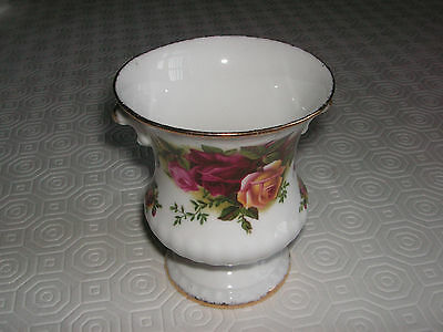 Royal Albert Old Country small urn vase