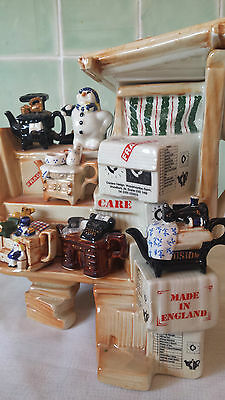 CARDEW COLLECTABLE TEAPOT MARKET STALL OF MINI T POTS LTD EDITION MINT CONDITION