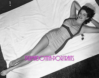 "JANE RUSSELL 8X10 Lab Photo 1943 SEXY SWIM SUIT PORTRAIT ""THE OUTLAW"" FILM DEBUT"