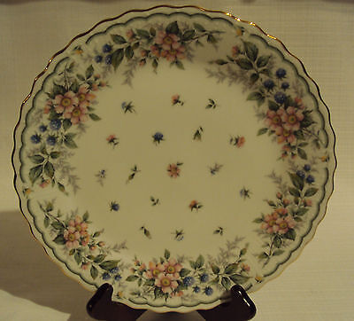 ANDREA BY SADEK  DINNER PLATE WITH FLOWERS PATTERN  MADE IN JAPAN