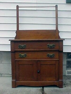1880'S VICTORIAN PINE WASH STAND COMMODE WITH ORIGINAL TOWEL BAR