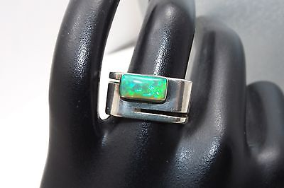 UNIQUE MODERNIST SQUARE BAND GREEN FIRE OPAL STERLING SILVER RING SIGNED JS