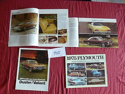 105 / PLYMOUTH CHRYSLER  2 catalogues english  text 1975