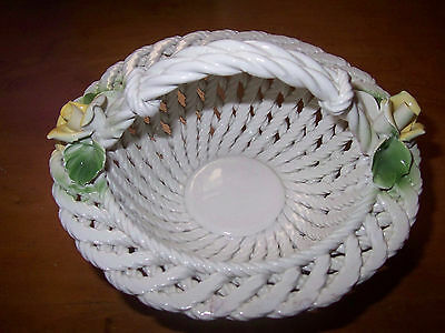 CAPODIMONTE STYLE POTTERY LATTICE WEAVE BASKET WITH ROSES.