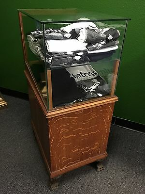 "Early 1900s Oak Display Showcase w/ Cast Iron Feet"" Watch Video"
