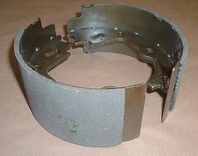 Land Rover Series/Defender/Range Rover Classic hand brake shoe set STC2880