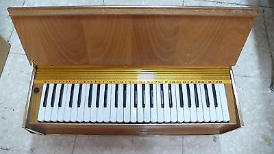 MUSICORGAN Reed Organ Piano. Works perfectly! Vintage Retro! new old stock