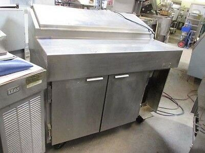 VPS-48S Traulsen 2 Door Pizza Pre-Table Self-Contained