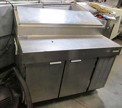 "VPS48S Traulsen 2 Door Pizza Prep Table 48"", salad/sandwich"