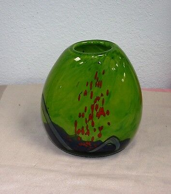 EUROPEAN HAND BLOWN GLASS VASE HOME DECOR GREEN & OVAL SIGNED EUROPEAN