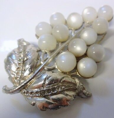 Vintage Moon Glow Pearls Shape Large Grape Fur Dress Clip Pin Brooch Rare