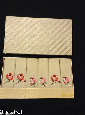 6 Lovely IRISH LINEN Tea NAPKINS Hand Embroidered Roses SUNDEW 10x10in