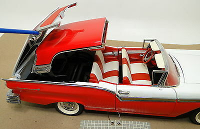 Rare Show Car Vintage American Tailfin Classic 1950s Ford 1 24 Carousel Red 76