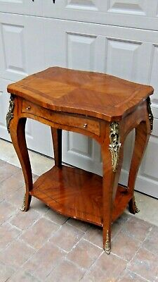 LOUIS XVI WALNUT WITH MARGUETRY INLAY TOP,ORMOLY MOUNTS,CABRIOLE LEGS SIDE TABLE