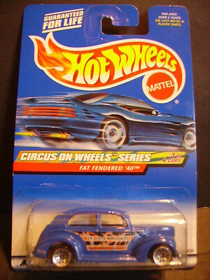 2000 Hot Wheels Circus On Wheels FAT FENDERED '40 ~ Variation