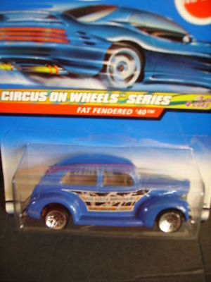 Hot Wheels Circus On Wheels FAT FENDERED '40