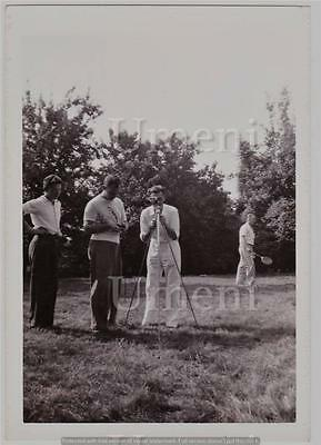 VTG MAN WITH TRIPOD CAMERA BADMITTON SPORTS PHOTOGRAPHY PHOTOGRAPH
