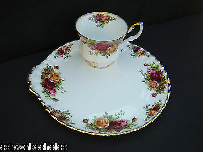 VINTAGE ROYAL ALBERT OLD COUNTRY ROSES TV TENNIS SET CUP AND SAUCER # 2