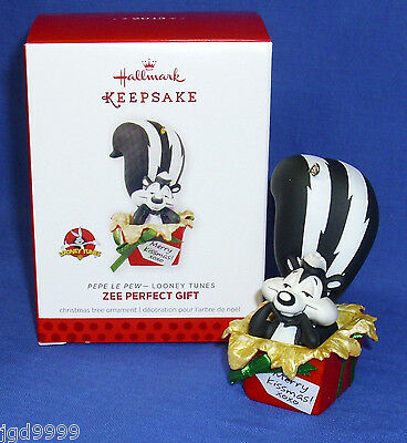 Hallmark Ornament Looney Tunes Zee Perfect Gift 2013 Pepe Le Pew in Gift Box NIB