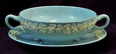 WEDGWOOD EMBOSSED CC ON LAVENDER QUEENSWARE CREAM SOUP & UNDERPLATE  1940