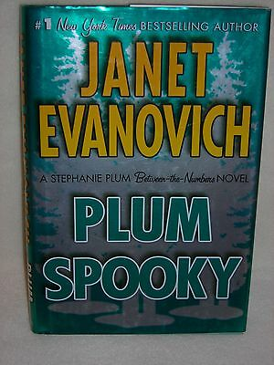 Plum Spooky by Janet Evanovich (2009, Hardcover) 1st Edition