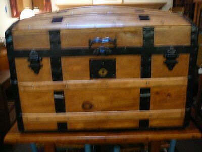 S25 ANTIQUE RESTORED DOME TOP STEAMER TRUNK WOODEN STAGE COACH CHEST