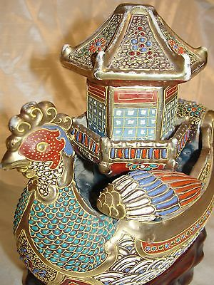 ANTIQUERARE IMPRESIVE JAPANESE KUTANI MORIAGE CHICKEN ROOSTER LARGE GILDED BOAT
