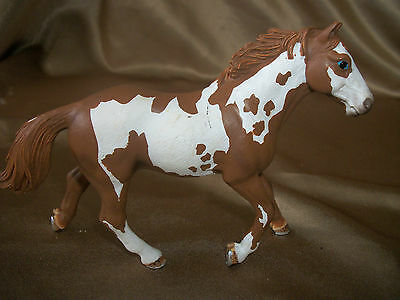 Schleich Horse Spotted Brown and White D-73527