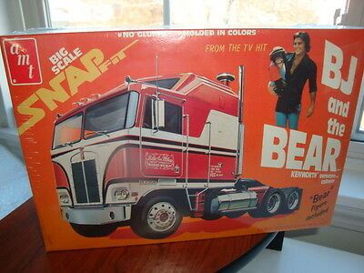 Vintage Model Kit B J And The Bear Kenworth Semi Tractor Mint *Fac/Sealed 1:32