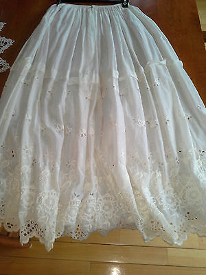 A Real Stunner Vintage White Edwardian Eyelet CIRCLE Skirt  Flowers Cutouts