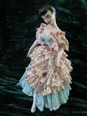 """Vintage 1958 Figurine Lady in Lace Dress 9"""" Tall x 6"""" Wide"""