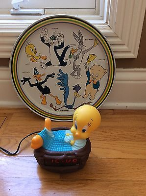 TWEETY BIRD ALARM CLOCK AND WARNER BROS SERVING TRAY--GREAT CONDITION