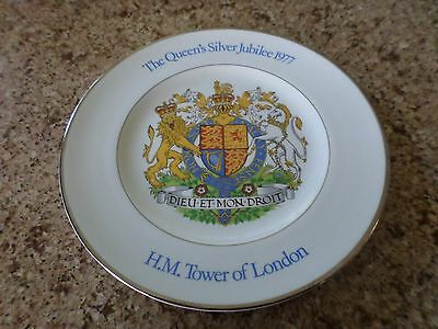 The Queens Silver Jubilee 1977 Commemorative Plate~H. M. Tower Of London