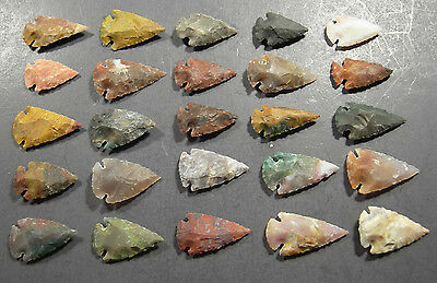 25 Handknapped 1 inch Agate Arrowheads