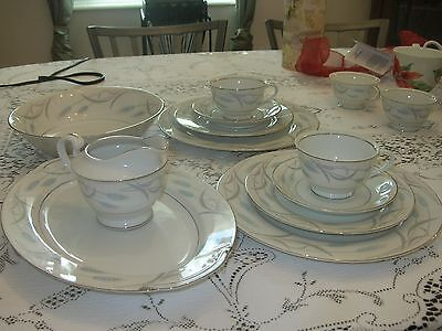 """Valmont China ~""""Vintage"""" ~Japan~Must QQ~In the Beautiful """"Royal Wheat"""" Plattern"""