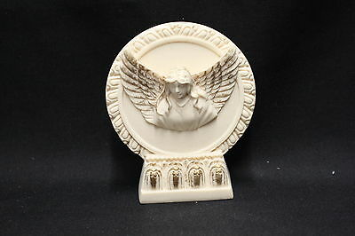 NEW Angel flying out of picture on stand Ivory Colour 75mm (ST127V)