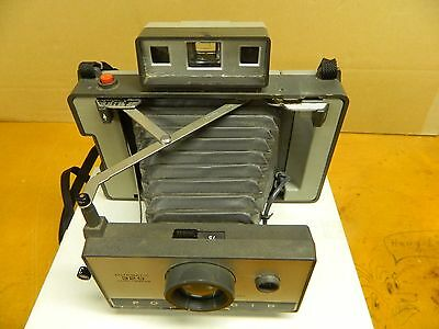 POLAROID 320 LAND FOLDING Camera Film Made in USA  Nice Camera with Original Box