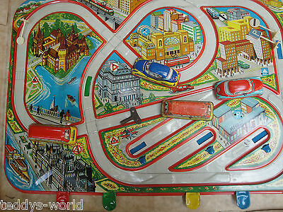 ANTIQUE VINTAGE CAR TRACK STREET RACETRACK TIN TOY WIND UP IN ORIGINAL BOX 1960s