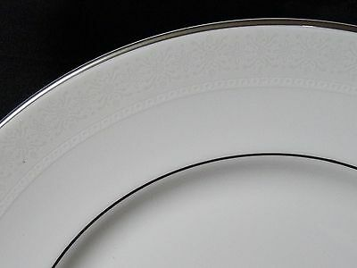 "Royal Doulton Amulet Pattern H4998 Dinner Plate 10-5/8"" Fine Bone China"
