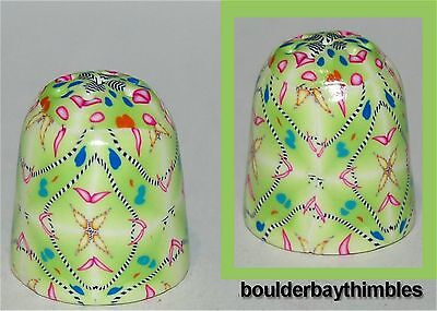 Boulder Bay Thimble - LIME COLORED INTRICATE GEOMETRIC  #94 NEW