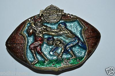 Nice Vintage 1982 FOOTBALL Shaped Players NFL Brass Tone Belt Buckle Quarterback