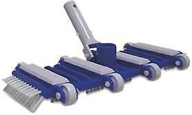 Swimming Pool Cleaning - Concrete Flexible Vacuum Head With Side Brushes